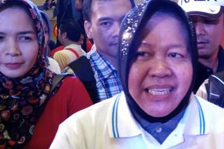 Wali Kota Surabaya, Tri Rismaharini di acara peluncuran 4G LTE Telkomsel di Tunjungan Plaza, Surabaya, Minggu (22/3/2015).