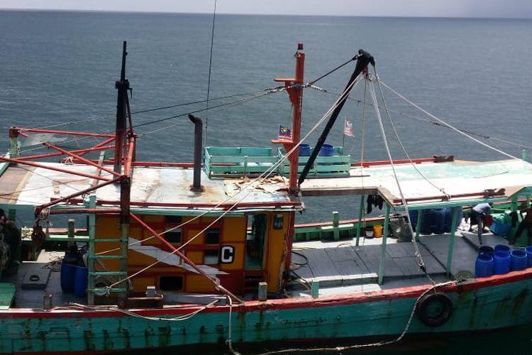 Kementerian Kelautan dan Perikanan (KKP) berhasil menangkap kapal ikan ilegal berbendera Malaysia yang melakukan penangkapan ikan di Wilayah Pengelolaan Perikanan Negara Republik Indonesia (WPP-NRI), Minggu (7/4/2019).