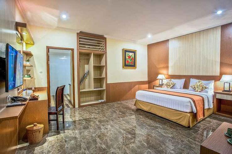 Penginapan Mirah Hotel & Resort Banyuwangi yang terletak dekat dengan Pantai Solong, Banyuwangi.