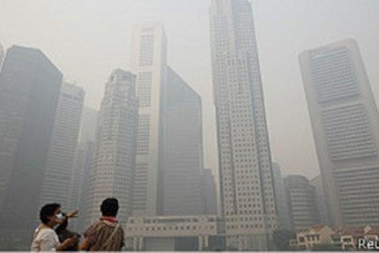 Gedung-gedung di Singapura diselimuti kabut asap