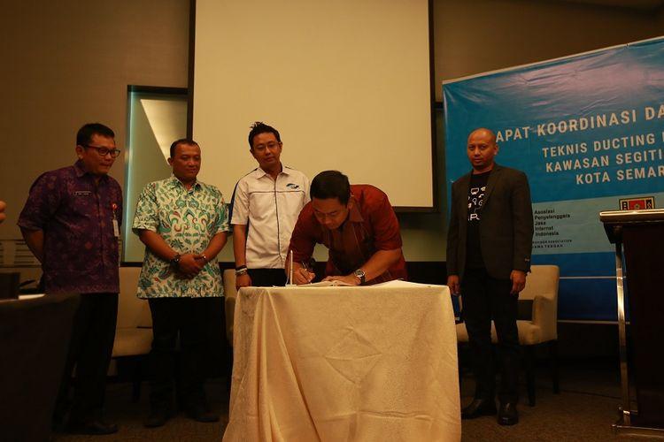 Penandatanganan nota kerja sama antara Pemerintah Kota Semarang dengan APJII, Selasa (13/6/2017).