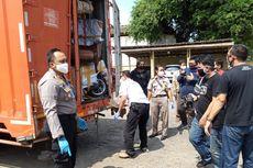 Pria Ini Selundupkan Daging Babi Pakai Mobil Boks Berlogo Pos Indonesia