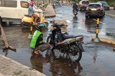 Air Menyembur dari Aspal Kelapa Gading, Warga Khawatir Jalanan Ambles