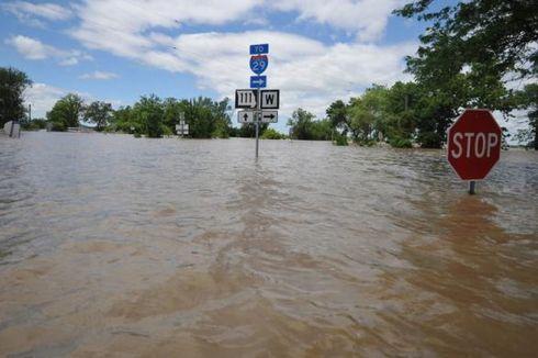 Potensi Banjir, Tiga Wilayah di Pulau Jawa Ini Berstatus Siaga Hujan Lebat