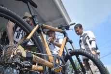 Manfaat Bambu, Dibuang Warga Desa tetapi Digandrungi Bule