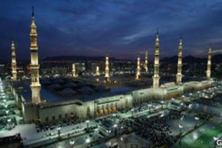 Makam Nabi Muhammad terletak di dalam Masjid Nabawi, Medinah.