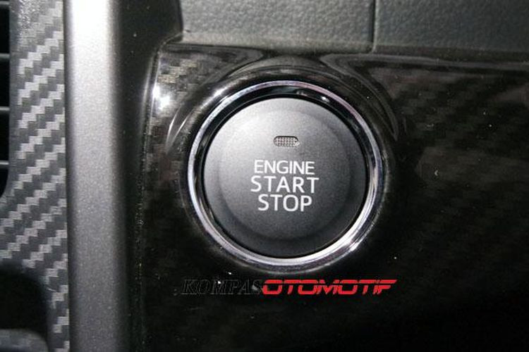 Tombol start-stop di Daihatsu Copen.