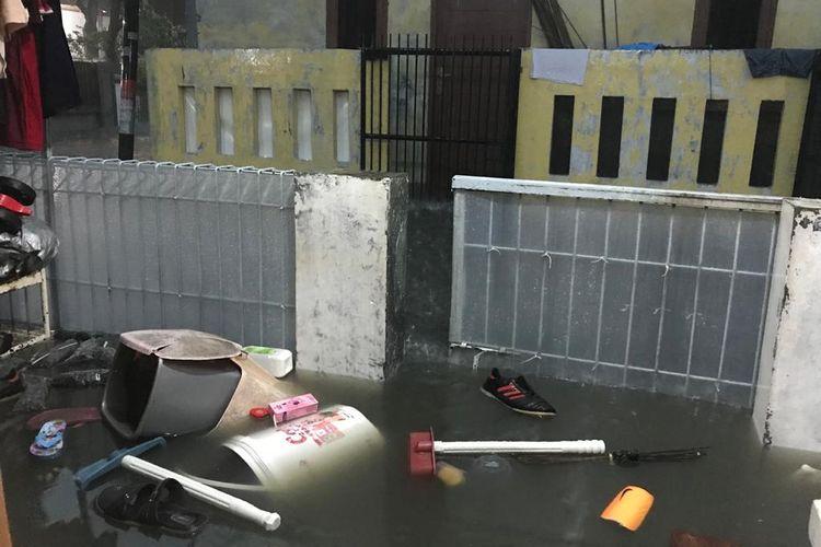 Banjir menggenangi kawasan Cipondoh, Kota Tangerang, Rabu (1/1/2020).