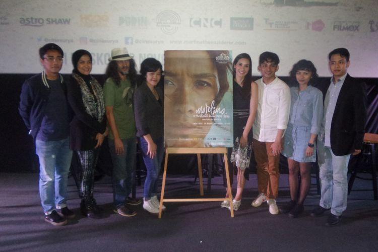 Peluncuran poster film Marlina si Pembunuh dalam Empat Babak di CGV Cinemas Grand Indonesia, Jakarta Pusat, Senin (25/9/2017) sore.
