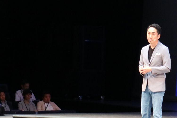 Representative Director and CEO Line Corporation Takeshi Idezawa dalam Line Conference 2018 yang diadakan di Maihama Amphitheater, Tokyo, Jepang, Kamis (28/6/2018).