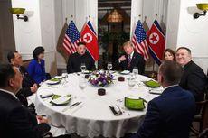 Kimchi dan Kue Cokelat Menghiasi Makan Malam Kim Jong Un dan Trump