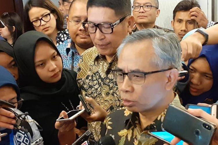 Ketua Dewan Komisioner Otoritas Jasa Keuangan (OJK) Wimboh Santoso menjabarkan tentang fintech di Main Hall Bursa Efek Indonesia, Jakarta, Selasa (17/7/2019).