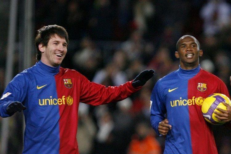 Pemain depan Barcelona, Lionel Messi  dan Samuel Etoo setelah mencetak gol selama pertandingan sepak bola Liga Barcelona vs Numancia di Stadion New Camp di Barcelona, pada 24 Januari , 2009.