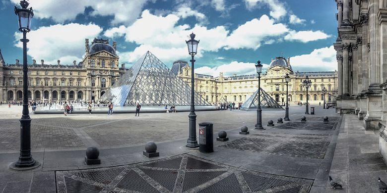 Museum Louvre di Paris, Perancis.