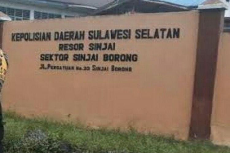 Seorang anggota Badan Permusyawaratan Desa (BPD) di Kabupaten Sinjai, Sulawesi Selatan tewas ditikam usai cekcok soal penyaluran Bantuan Sosial (Bansos). Senin, (25/5/2020).