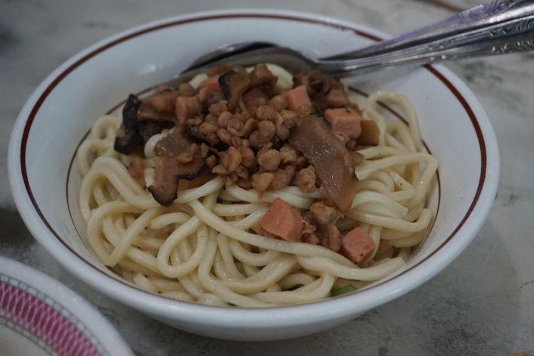 Mie vegetarian di Kedai Mie Mitra Banyuwangi