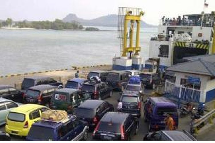 Ilustrasi: Ferry menyeberangi Selat Sunda