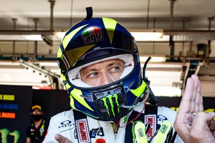 Valentino Rossi jajal Ferari 488 GT milik Kessel Racing di Sirkuit Misano, Italia.