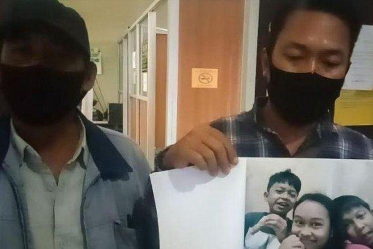 Ketiga anak Rachmat (49) yang hilang sejak satu pekan tanpa diketahui keberadaannya