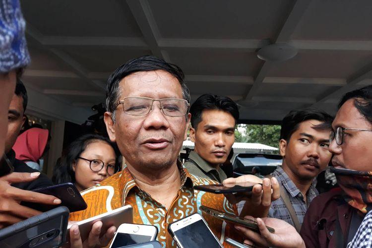 Mantan Ketua Mahkamah Konstitusi (MK) Mahfud MD saat ditemui di kawasan Menteng, Jakarta Pusat, Kamis (3/10/2019).