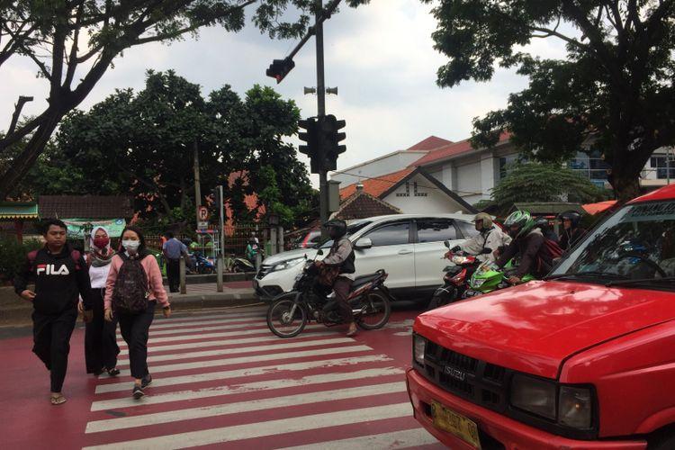 Pelican crossing di Pondok Cina, Jalan Margonda, Selasa (8/1/2019).