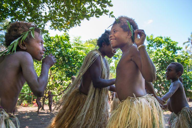 Ilustrasi Vanuatu - Tarian yang dilakukan oleh warga Vanuatu untuk menyambut wisatawan.