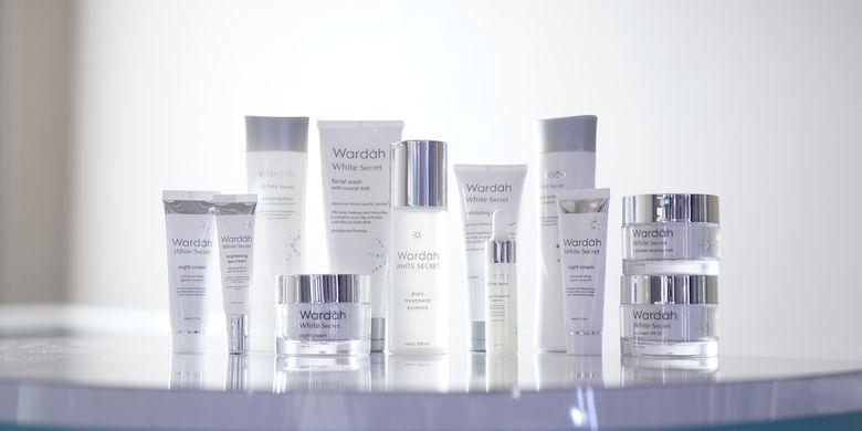 Rangkaian produk Wardah White Series.