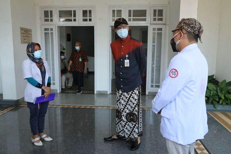 Gubernur Jawa Tengah, Ganjar Pranowo melakukan sidak ke RSUD Hj Anna Lasmanah dan RSI Banjarnegara, Kamis (8/7/2021).