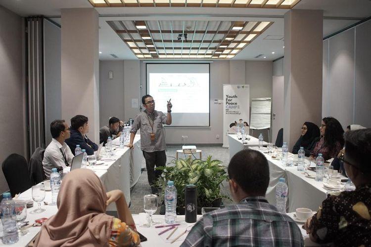 Suasana gelaran Youth For Peace 2019 dari Dompet Dhuafa di Karatekuso Hotel, Kemang, Jakarta. Gelaran tersebut mengumpulkan pemuda dan pemudi dari berbagai negara untuk membahas perdamaian dan kemanusiaan.