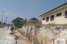 Kondisi Bangunan SMA Negeri di Riau yang Terancam Ambruk, Saat Hujan Berlumpur, Saat Panas Berdebu