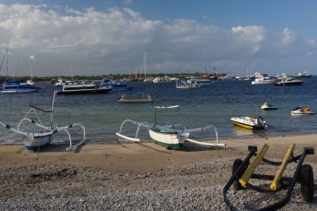 Travel - Pantai Serangan di Bali