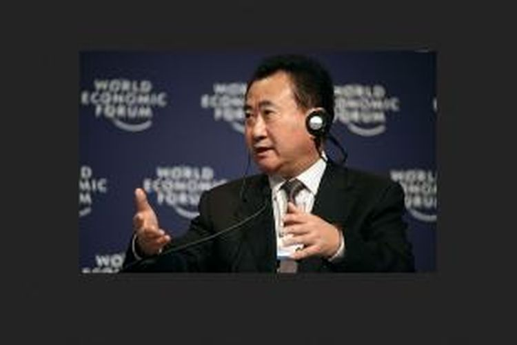 Wang (59) adalah pendiri perusahaan pengembang properti Dalian Wanda Group. Kekayaannya kini melampaui orang kaya nomor satu tahun lalu, Zong Qinghou, pemimpin perusahaan minuman terkemuka China Wahaha Group, meski kekayaan Zong tumbuh 44 persen.