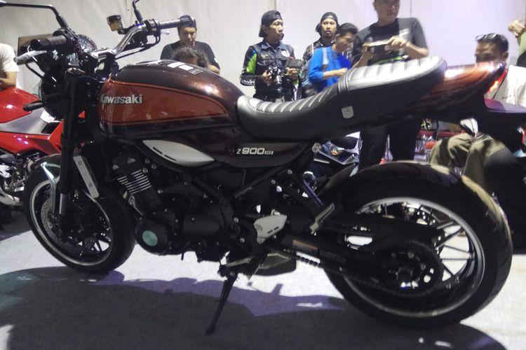 Kawasaki Z900RS Standar.