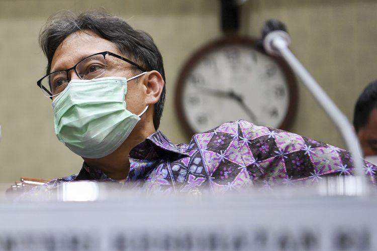 Menteri Kesehatan Budi Gunadi Sadikin mengikuti rapat kerja dengan Komisi IX DPR di Kompleks Parlemen, Senayan, Jakarta, Senin (8/2/2021). Rapat kerja tersebut membahas usulan penambahan anggaran Kementerian Kesehatan dengan total sebesar Rp134,46 triliun untuk penanganan COVID-19. ANTARA FOTO/Hafidz Mubarak A/foc.