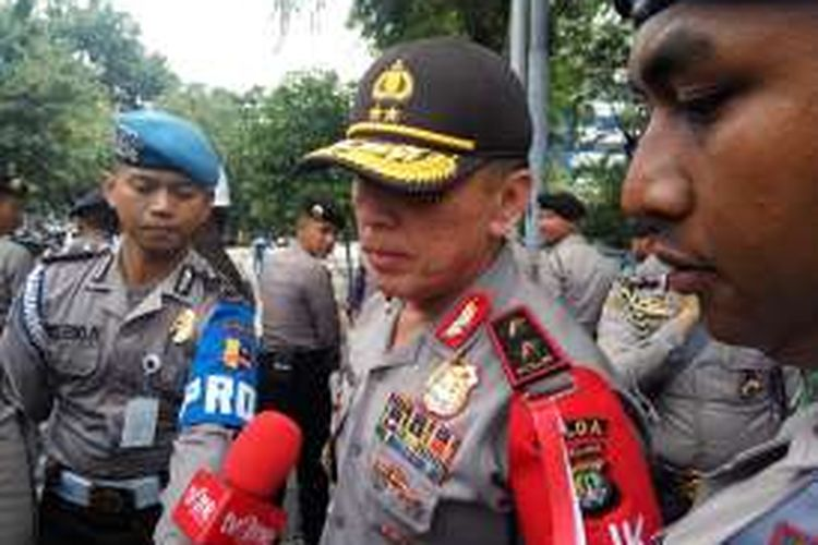 Kapolda Metro Jaya Irjen Pol Mochamad Iriawan saat diwawancarai di Jalan Medan Merdeka Barat, Jakarta Pusat, Jumat (4/11/2016).
