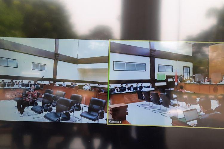 Sidang kasus kasus tes usap (swab test) RS Ummi Bogor dengan terdakwa Rizieq Shihab dilanjutkan pada hari ini, Rabu (5/5/2021).
