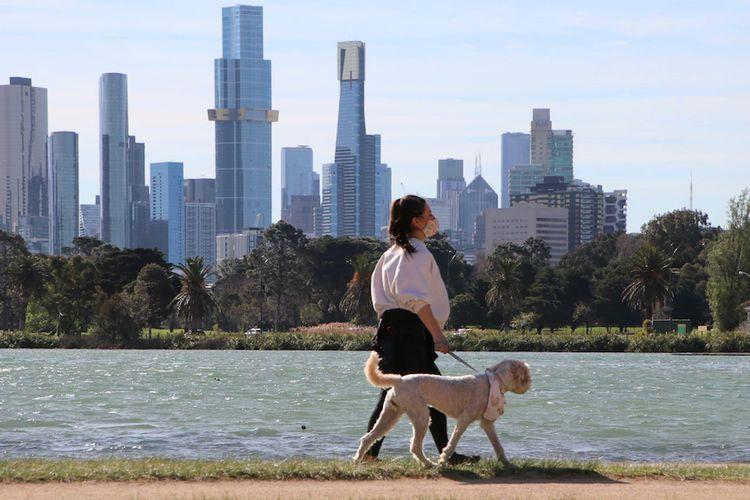 Warga Melbourne boleh melakukan pergerakan sejauh 15 km dari rumah mereka mulai hari Rabu.