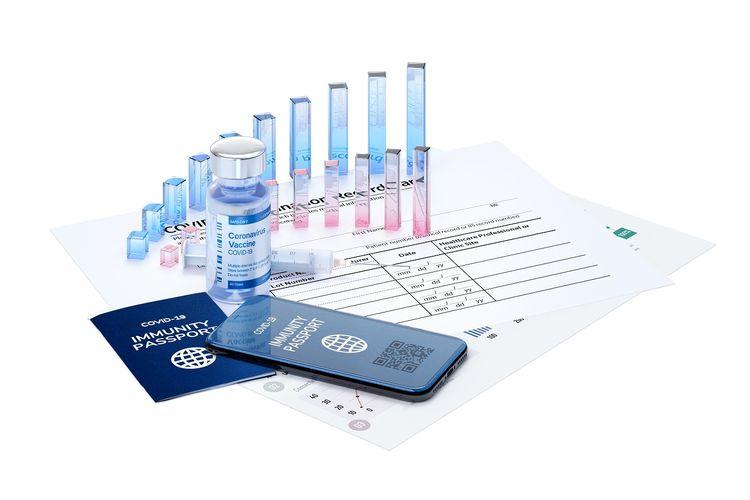 Ilustrasi pasport imunitas, aplikasi vaksinasi, dan setifikat vaksin DOK. Shutterstock