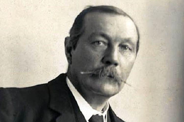 Sir Arthur Conan Doyle, pencipta karakter Sherlock Holmes.