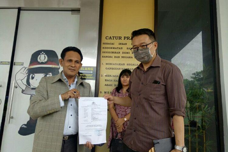 Lima orang korban penipuan penjualan tiket pesawat murah AS, ARS, MT, MTH, dan RMD mendatangi Polres Tangerang Selatan, Jumat (7/2/2020). Mereka melaporkan seseorang yang menipunya, YHN yang disebut-sebut biasa mengurus tiket di Bandara Internasional Soekarno-Hatta dengan nominal mencapai Rp 138,2 juta