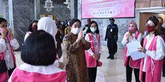 Persaudaraan Istri Anggota DPR Bagikan 1.700 Paket Sembako, Puan: Ini Gotong Royong Sosial