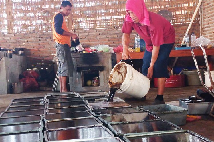 Produsen rumahan janggelan di Magetan mengalami peningkatan permintaan hingga 10 kali lipat dari biasanya. Pemasaran janggean mereka bahkan sampai Bojonegoro hingga ke Kabupaten Klaten Jawa Tengah.