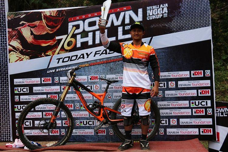 Khoiful Mukhib memenangi salah satu seri  kelas Man Elite 76 Indonesian Downhill (76 IDH).