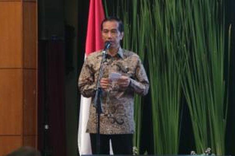 Presiden Joko Widodo saat memberi pengarahan di rapat pimpinan TNI/Polri di Perguruan Tinggi Ilmu Kepolisian (PTIK), Jakarta, Selasa (3/3/2015).