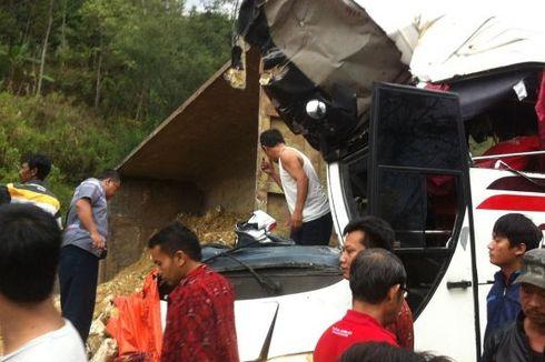 Kecelakaan Melibatkan Empat Kendaraan Terjadi di Tol Purbaleunyi KM 111
