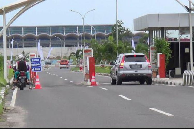 Gerbang masuk Bandara Depati Amir Pangkal Pinang, Kepulauan Bangka Belitung.