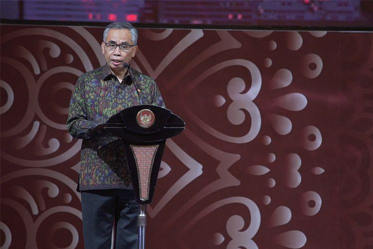 Ketua Dewan Komisioner OJK Wimboh Santoso menyampaikan sambutan di Pertemuan Tahunan Industri Jasa Keuangan 2020 ( Instagram OJK @ojkindonesia)