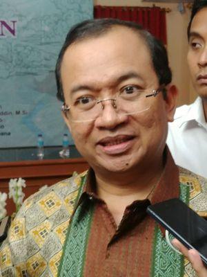 Politisi senior yang lama bergelut di Partai Golkar, Priyo Budi Santoso, kini resmi menjadi Sekjen Partai Berkarya.   Pada Kamis (12/4/2018) hari ini, Priyo mewakili partainya untuk hadir dalam Halaqah Kebangsaan di PP Muhammadiyah, Jakarta.