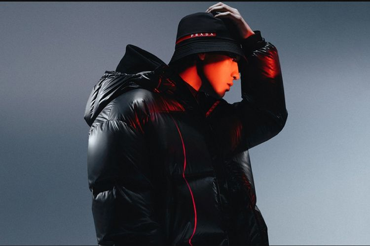 Park Chanyeol berpartisipasi dalam kampanye koleksi Prada Linea Rossa Fall/Winter 2020.