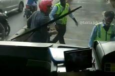 Transjakarta: Pengendara yang Marah-marah kepada Petugas di Jalur Busway Pakai Motor Dinas